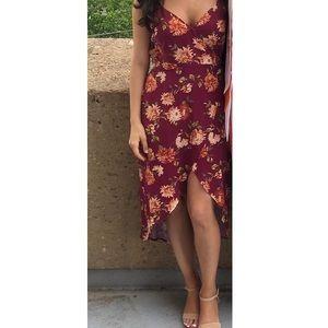 Gorgeous burgundy/maroon floral wrap dress! ❤️